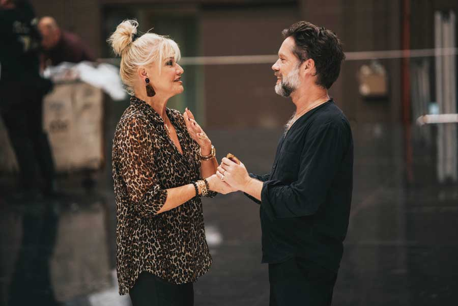 Karita Mattila and Rufus Wainwright chat during rehearsal.