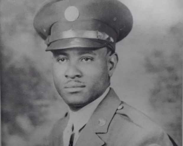 Richard Overton in uniform during his military service in the 1940s.