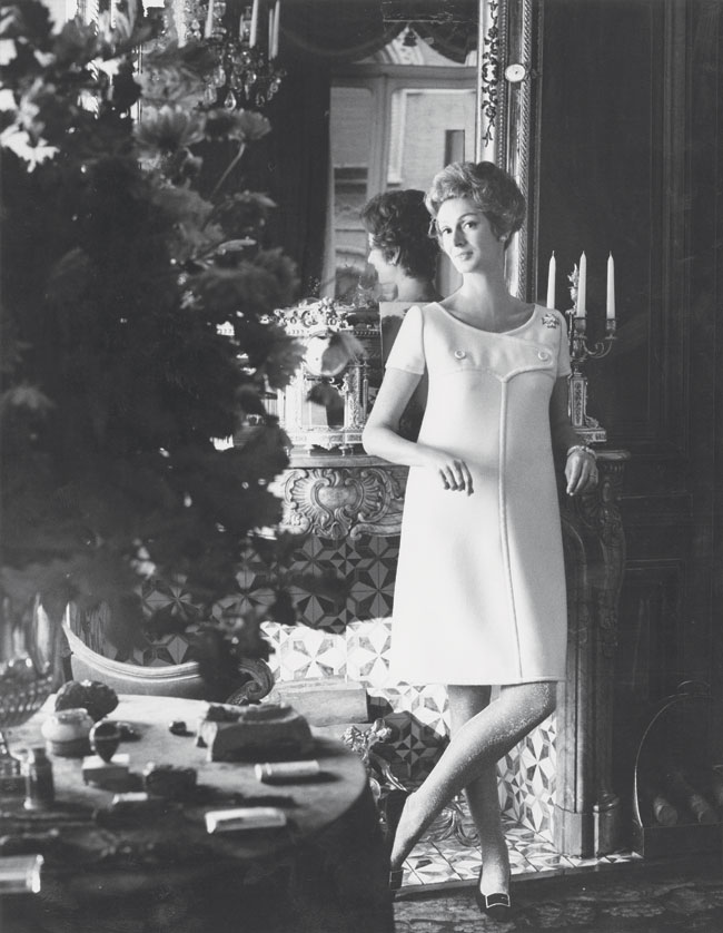 Donna Marella Angelli at her Turin home for Vogue, 1967.