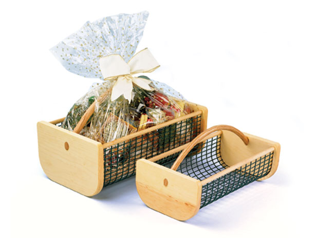 Wire produce collecting basket
