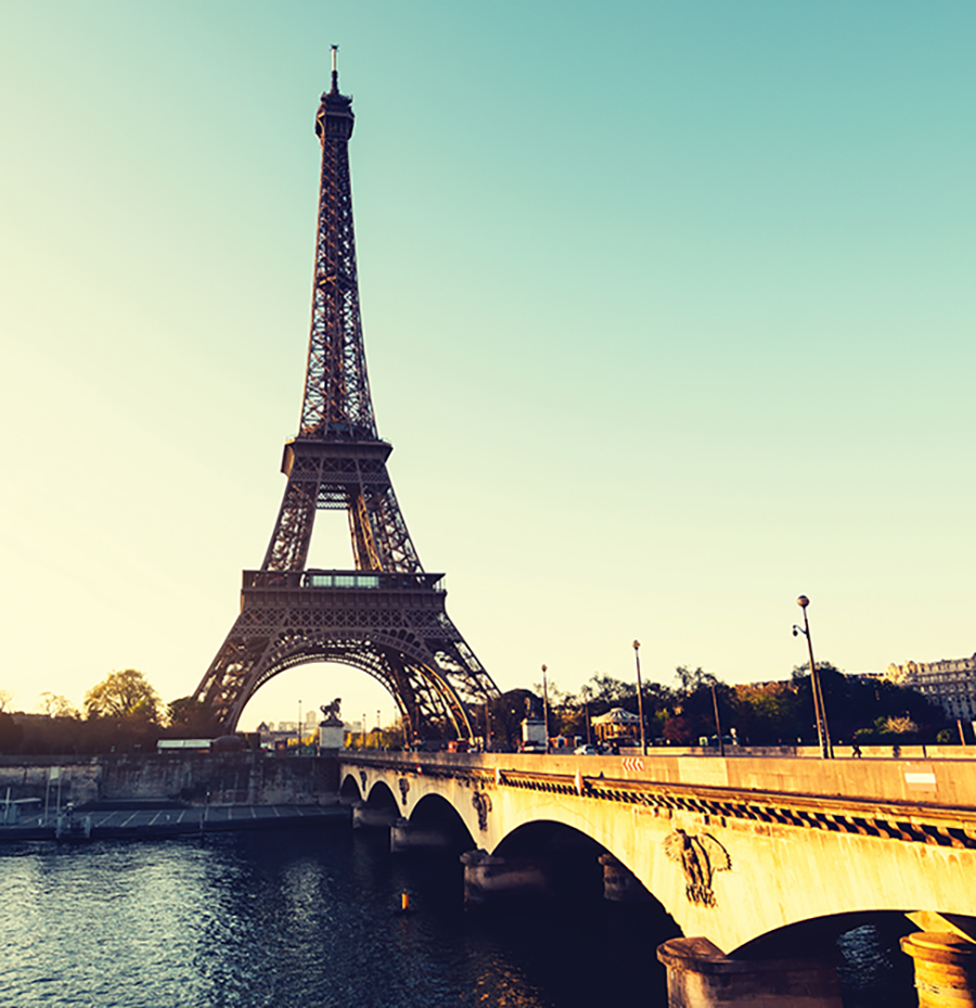A photo of the Eiffel Tower at sunset.
