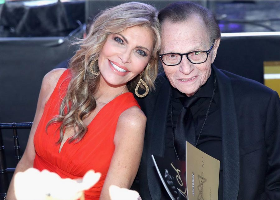 Former TV Host Larry King with his 7th wife Shawn King.