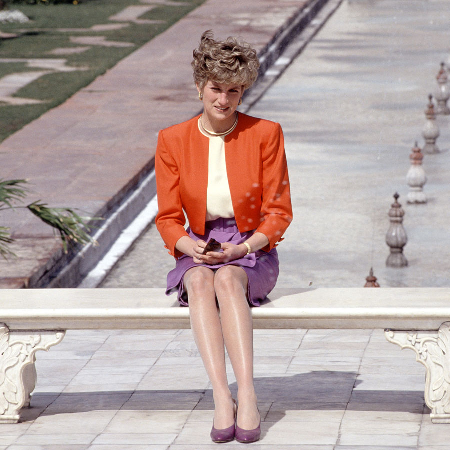 Princess Diana sitting alone outside the Taj Mahal in Agra