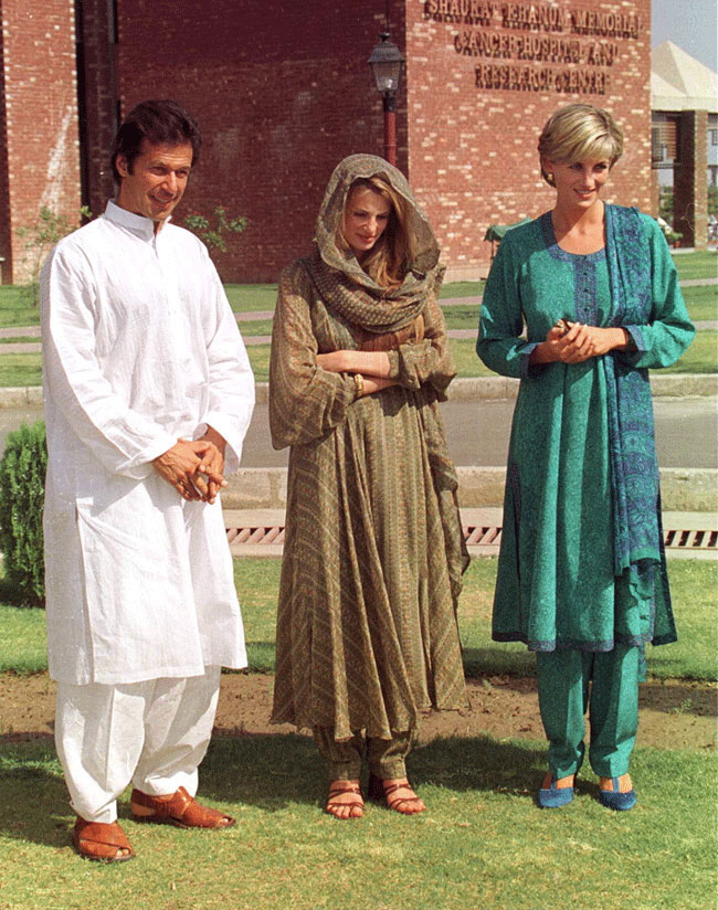 Diana, Princess Of Wales poses with Imran Khan and Jemima Khan during a visit to the Shaukat Memorial Hospital in Lahore, Pakistan.