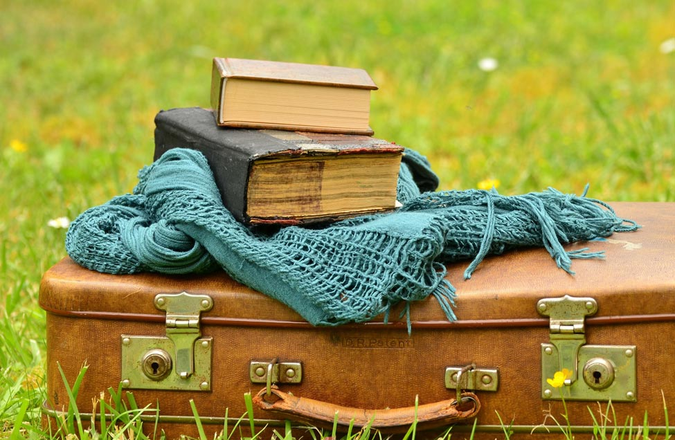 Books, Historical fiction, Travel back to an earlier place and time
