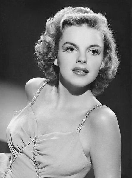 Judy Garland in a 1943 publicity photo. Image: Courtesy Wikimedia Commons
