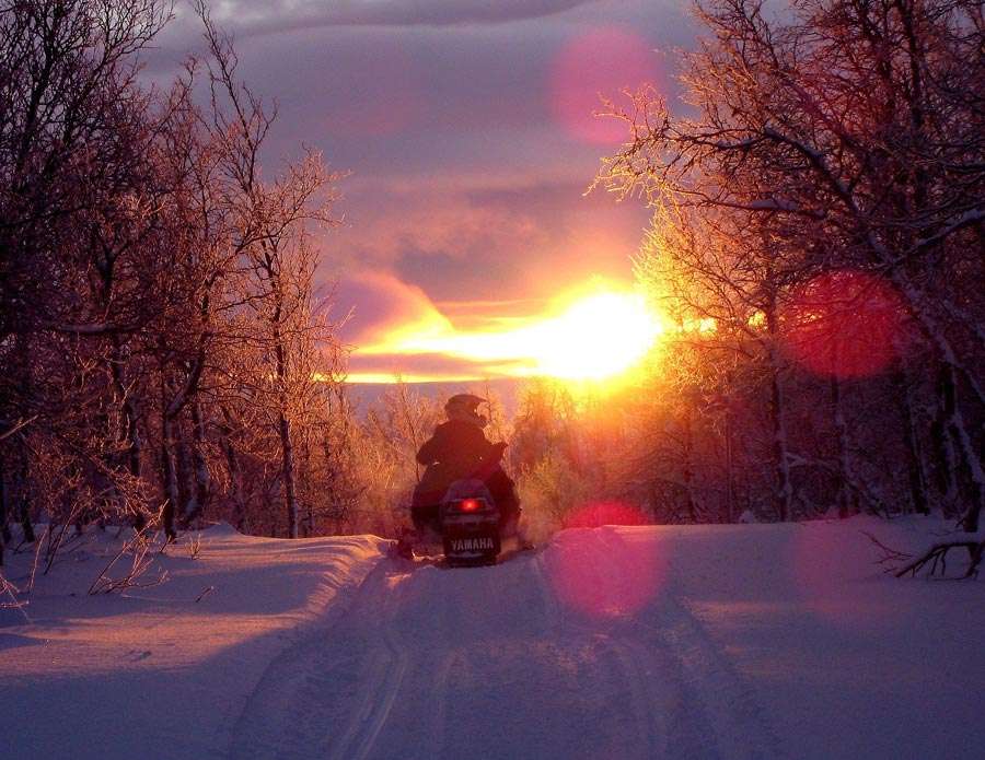 Snowmobile, adventure tourism
