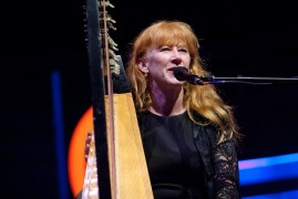 Loreena McKennitt celtic music performance