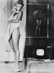 Marilyn Telephone 1