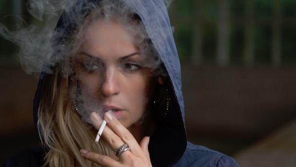Smoking Woman - Hoodie