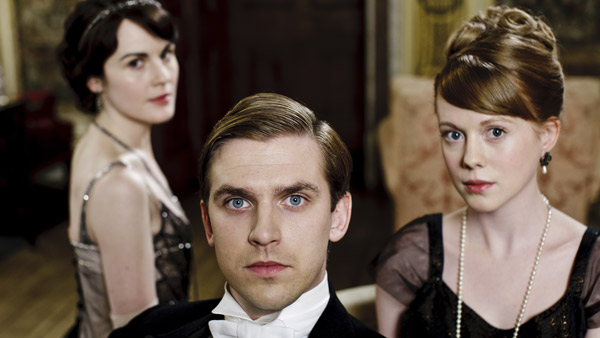 Downton Abbey S2E2: Lady Mary Crawley (MICHELLE DOCKERY), Matthew Crawley (DAN STEVENS), Lavinia Swire (ZOE BOYLE)