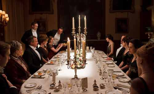 Downton Abbey S2: The Crawleys sit down to dinner