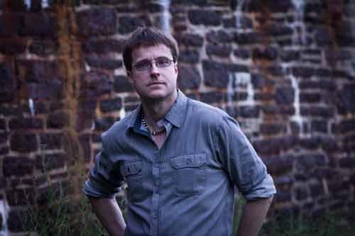 SI: Poltergeist - Investigator Darryll Walsh Photo: Robert W. Zimmerman