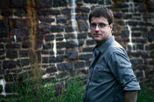 SI: Poltegeist - Investigator Darryll Walsh Photo: Robert W. Zimmerman