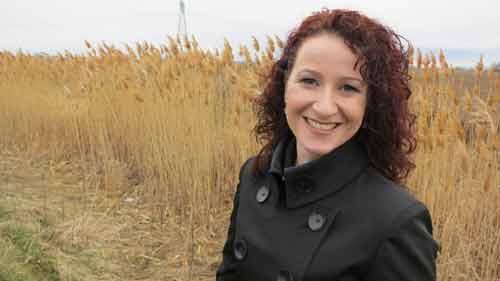 SI: Miracles - Investigator Lauretta Ryan