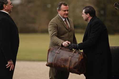 Downton Abbey S1E1: Lord Grantham stops Bates from leaving