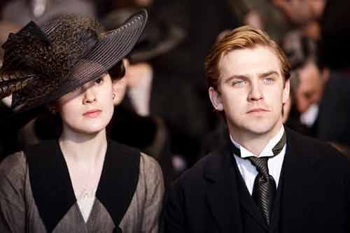 Downton Abbey S1E2: Lady Mary and Cousin Matthew shortly after meeting for the first time