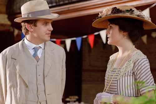 DAS1E5: Matthew (Dan Stevens) and Mary (Michelle Dockery)