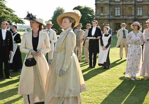 Downton Abbey S1E7: The Dowager Countess and Lady Rosamund listen to Lord Grantham's announcement about war breaking out