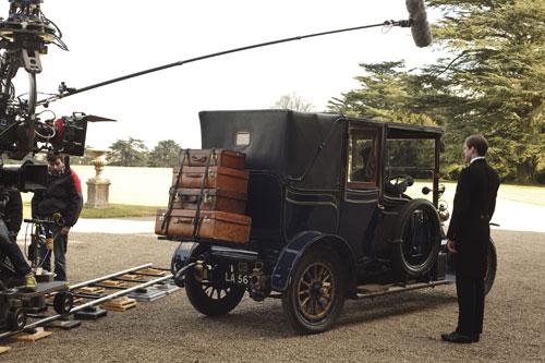 DAS1 BTS: Filming Bates' arrival scene