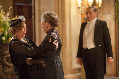 DAS3E1: Martha Levinson greets Lady Violet