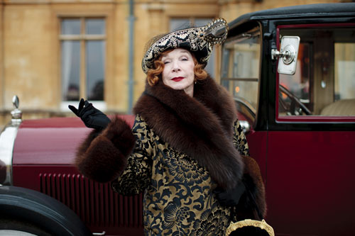 DAS3E1: Martha Levinson (Shirley MacLaine) signals her arrival to Downton