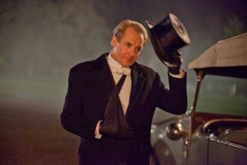 DAS3E1: Sir Anthony Strallan (Robert Bathurst) comes calling