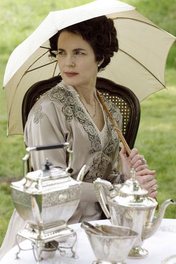 DAS1 CAST: Elizabeth McGovern as Cora Crawley, Countess of Grantham