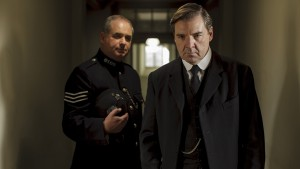 Downton Abbey S5E3: John Bates (BRENDAN COYLE) Sergeant Willis (HOWARD WARD)