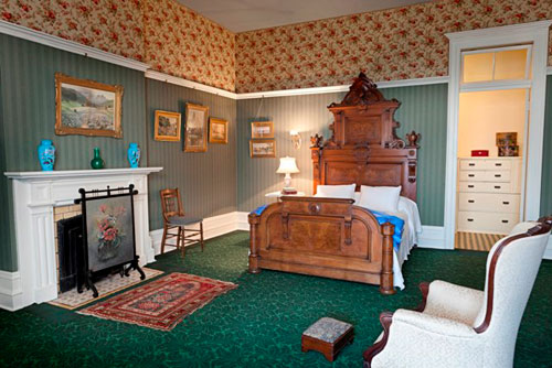 Spadina Museum: Bedroom - Photo: Maciek Lindwski, Courtesy City of Toronto