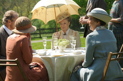 DAS3E2: Lady Violet holds court at the family's outdoor tea at Eryholme