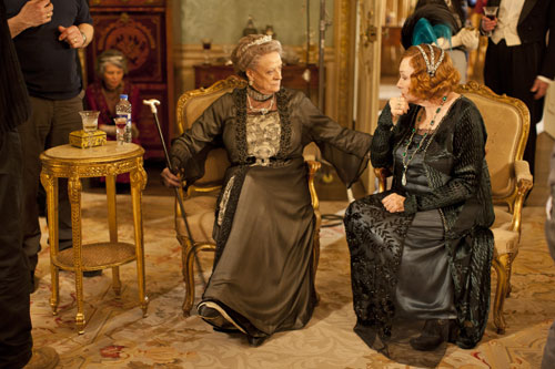 DAS3E1: BTS - Maggie Smith and Shirley MacLaine chat in between scenes