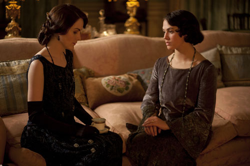 DAS3E1: Lady Mary and Lady Sybil discuss life in Dublin and Tom's acceptance by the family
