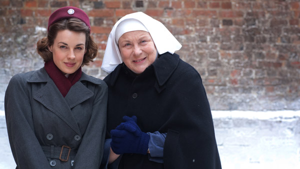 Call the Midwife S2E1: Jenny Lee (JESSICA RAINE) and Sister Evangelina (PAM FERRIS) Photo: Laurence Cendrowicz (c) Neal Street Productions 2012