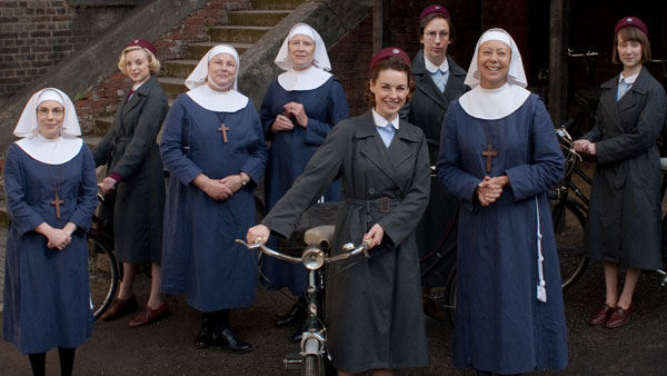 Call the Midwife - Full Cast Photo: Laurence Cendrowicz (c) Neal Street Productions