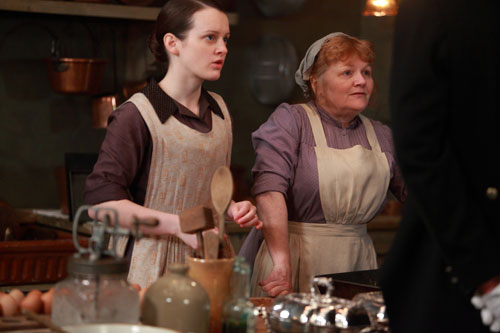 DAS3E3: Daisy and Mrs. Patmore at work in the kitchen