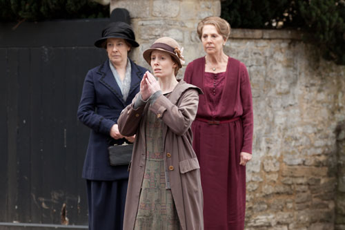 DAS3E3: Ethel is distraught as she, Mrs. Hughes and Isobel watch the Bryants drive away with Charlie