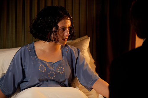 DAS3E4: Sybil in bed during labour