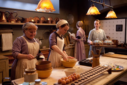 DAS3E5: Mrs. Patmore, Daisy and Ivy hard at work in the kitchen