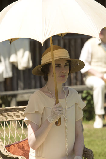 DAS3E6: Downton Cricket Match - Mary watches the match
