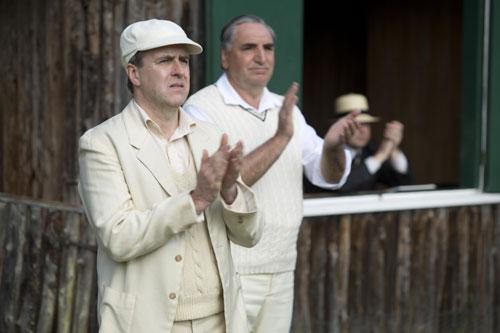 DAS3E6: Downton Cricket Match - Molseley and Carson cheer