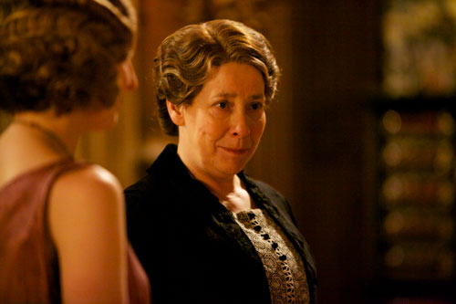 DAS3E6: Phyllis Logan as Mrs. Hughes