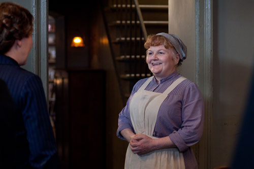 DAS3E6: Mrs. Patmore chats with Mrs. Hughes
