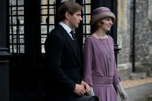 DAS3E6: Tom and Lady Edith at baby Sybil's christening
