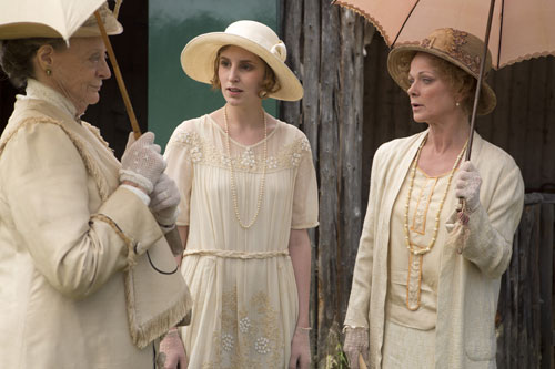 DAS3E6: Downton Cricket Match - The Dowager talks about Rose's misbehaviour with Edith and Rosamund