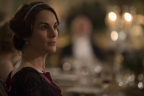 DAS3E7: Lady Mary at dinner at Duneagle