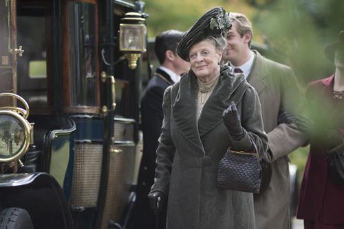 DAS3E7: Violet arrives to Duneagle Castle