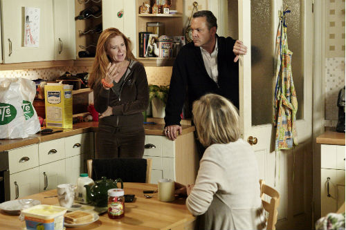 EastEnders Weekender Jan. 10 - Bianca Butcher (PATSY PALMER), David Wicks (MICHAEL FRENCH), Carol Jackson (LINDSAY COULSON) Photo: Adam Pensotti ©BBC 2011