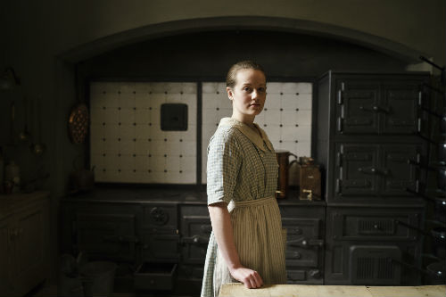 Downton Abbey Cast S4: Ivy Stuart (CARA THEOBOLD)