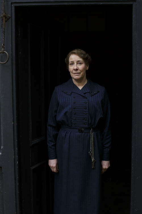 Downton Abbey Cast S4: Mrs. Hughes (PHYLLIS LOGAN)